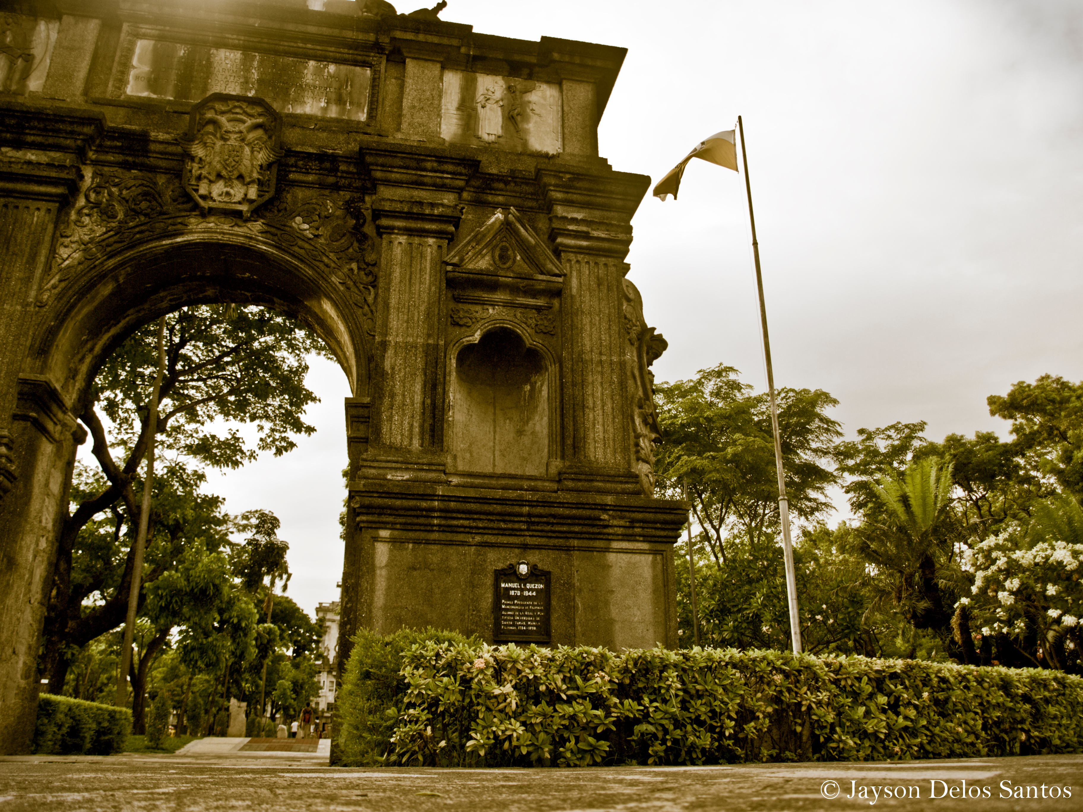 The Arch of the Centuries was originally erected in 1611 at Intramuros, where University of Santo Tomas (UST) was originally found.